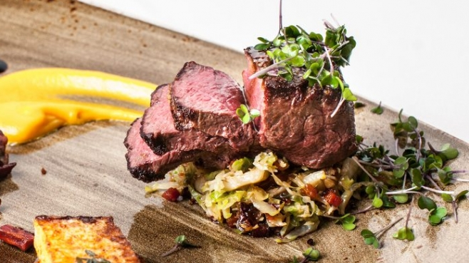 steak plated